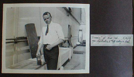 The Bell Photo Album : Lightoller et Boxhall Alb4